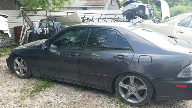 1  parting out 2003 Lexus is300