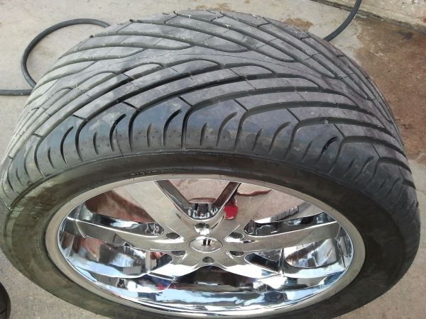 U2 22 inch rims with tires 3054022 - $1299