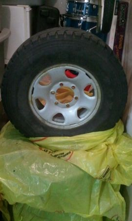 Toyota Tacoma rims and tires - $100 (College Station)