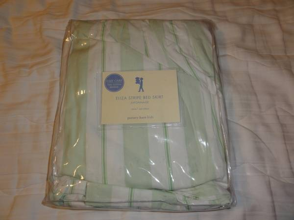 New Pottery Barn Kids Twin Bedskirt  -   x0024 25  College Station