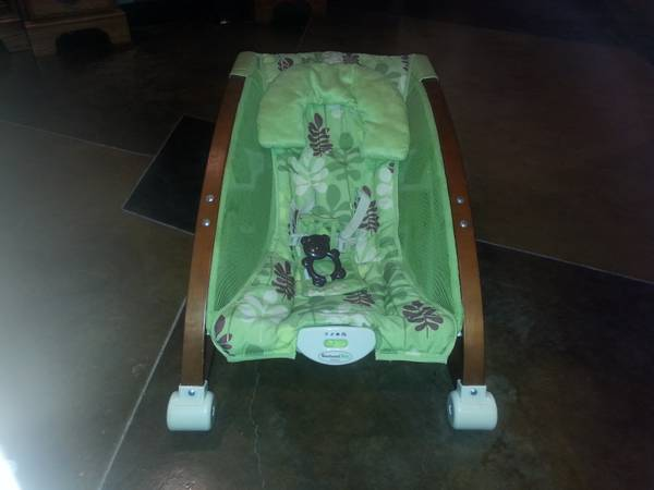 fisher-price brentwood baby collection rocker and seat - $40 (Bryan, Texas)
