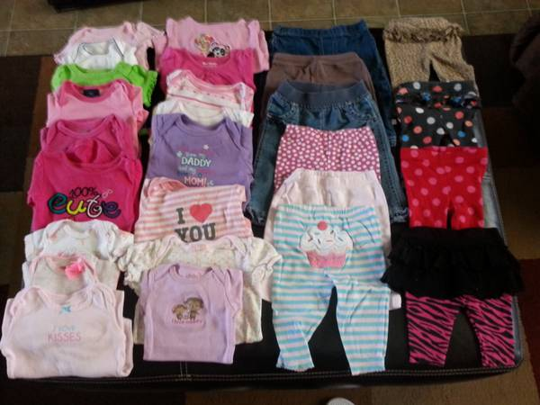 Lot of 52 pieces baby girl clothes -   x0024 40  College Station