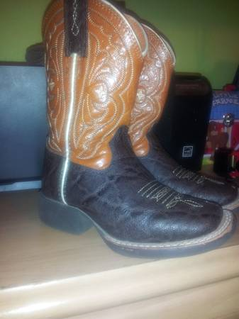 Ariat square toe boots Size 8 12 Toddler - $35 (College Station)