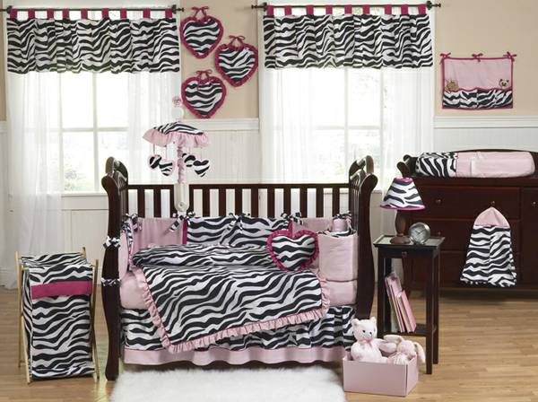 Baby girl Crib bedding and Mobile Zebra set JOJO Designs Boutique GUC (Bryan)