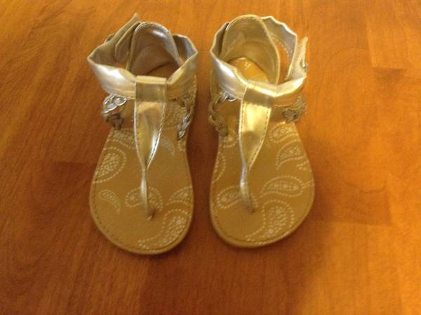 Toddler Sandals, size 8 - $8 (College Station)
