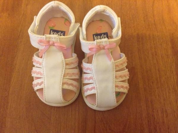 Baby Girl Keds size 2, Old Navy Shoes size 3 - $6 (College Station)