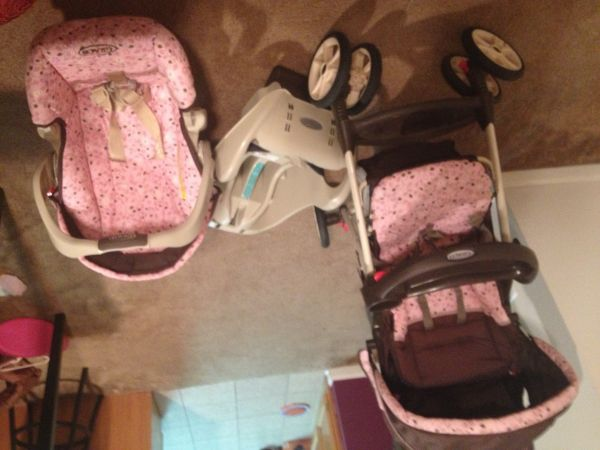 Baby girl Graco Travel System- carseat, base, matching stroller - $70