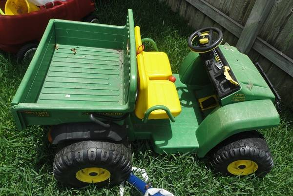 John Deere Gator Power Wheels - $50 (S. College Station)
