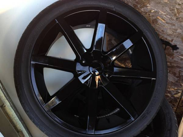excellent condition KMC slides 24 rims and tires - $1500 (BCS)