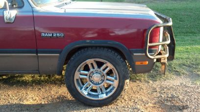 8 lug 20 inch rims DodgeChevy - $1800 (Normangee )