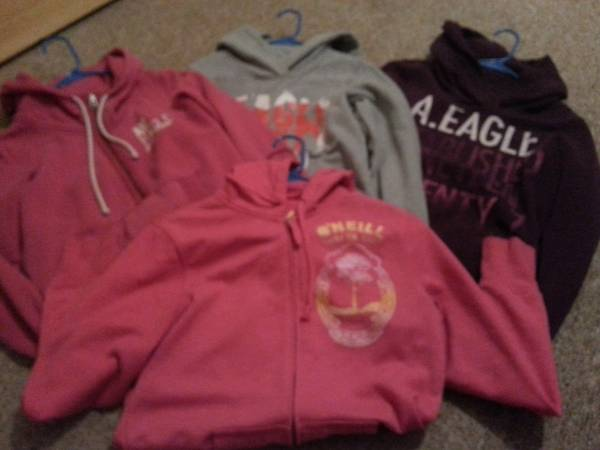 american eagle sweaters like new - $5 (college station)