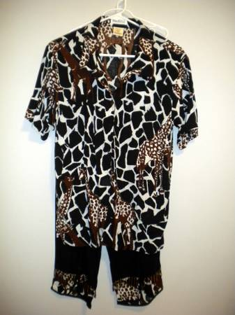 Mature ladies clothesresort wear - $30 (South College Station)