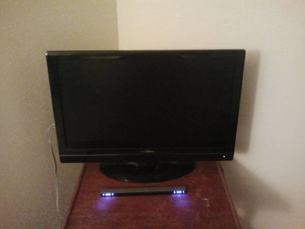 Insignia 22 LCD flat screen TV - $60 (College Station)