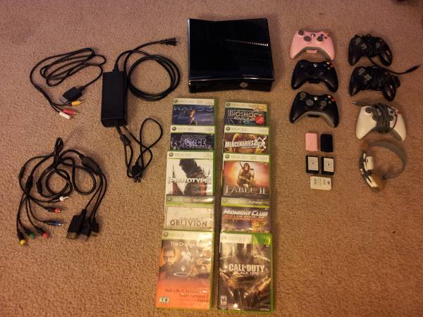 Xbox 360 Kinect 250 GB, 10 games, 6 controllers, LOTS of extras - $350 (College Station)