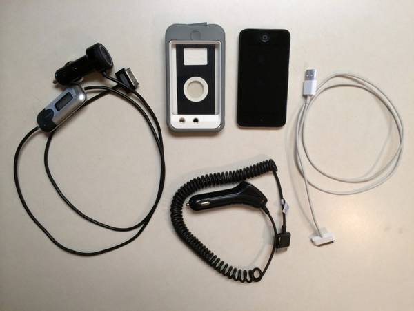 iPod Touch 4G 8GB with cord Griffin iTrip SmartScan Auto FM Transmitter - x002475 (Bryan, Texas)