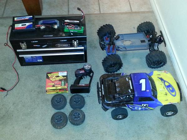 Traxxas Slash 2wd lots of upgrades and extras - $350 (College Station)