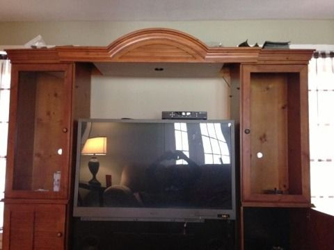 Mitsubishi TV and Entertainment Center - $100 (College Station)