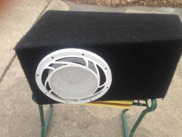 Memphis 12 Dual Voice Coil 4 ohm sub and box - $115 (South CS)
