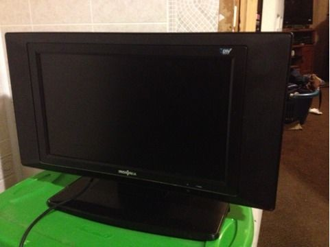 20 insignia LCD tv with built in DVD player - $125 (Bryan)