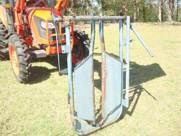 Head Gate for Cattle - $125 (Franklin TX)
