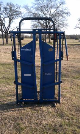 Priefert Headgate 91 and stand - $475 (Franklin)
