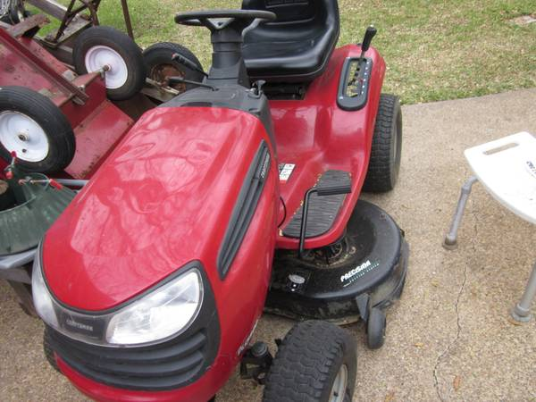 42 CUT RIDING MOWER CRAFTSMAN DLS 3500 - $695 (COLLEGE STATION, TEXAS)