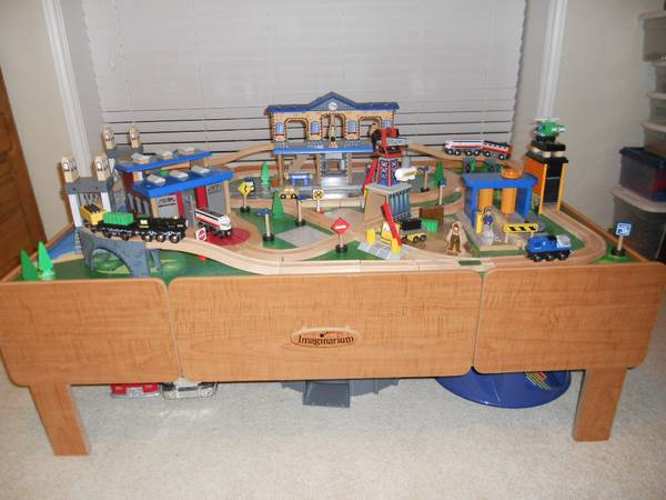 Imaginarium Train Table like new  Really  -   x0024 150  Southwood Valley