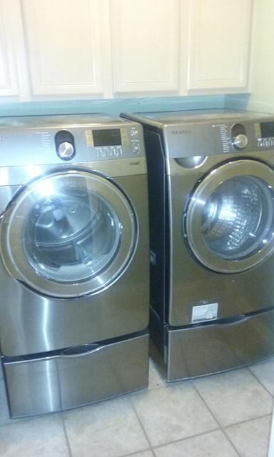 700  Frontload Samsung Washer and Dryer