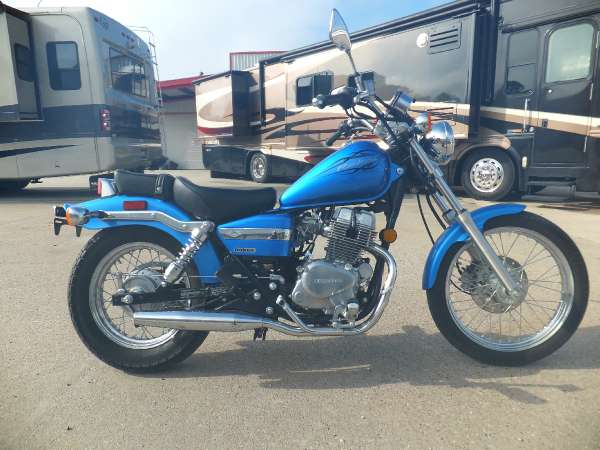 2 399  2009 Honda Rebel  CMX250C