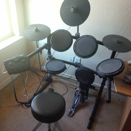 Simmons SD7K Electronic Drum Set with Throne - $350 (College Station)