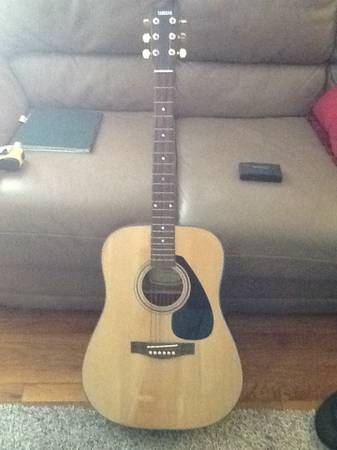 Yamaha SCF08 Acoustic Guitar  - $200 (College Station)