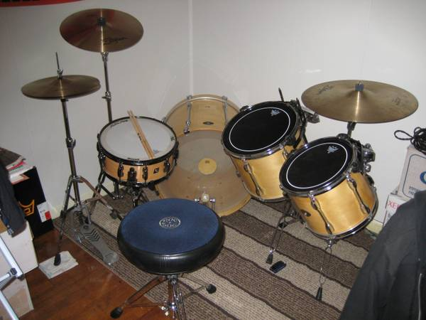 Tama Rockstar drums w hardware and Zildjian cymbals - $950 (Bryan-College Station)