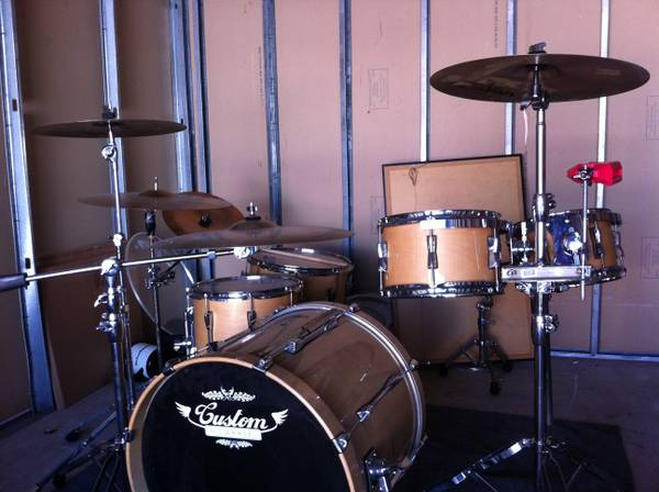 REDUCED complete 6 pc custom drum set - $1200 (College station )