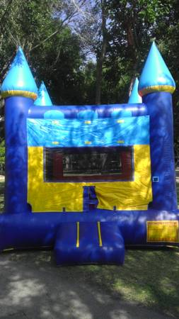 Bounce House Rental $70 (FortbendSugar LandKatyHoustonSW Area)