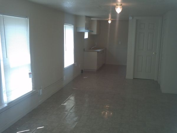 $525 Bills Paid Efficiency Apartment $525mo Completely Remodeled (2608 Coleman)