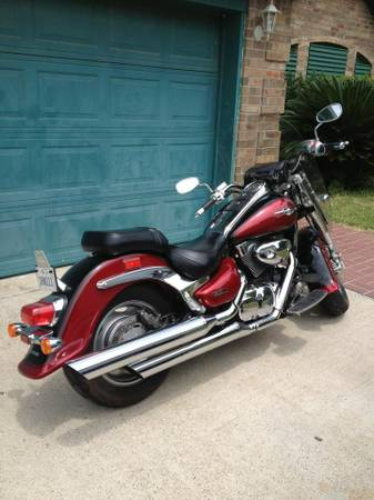 Have 2007 Boulevard C 90 for trade for sports car etc -   x0024 8000  Ingleside