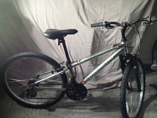 Diamond Back Outlook DB78 Mountain Bike 2010 - $150 (South Side Corpus Christi near the Walmart on Saratoga )