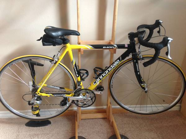 Womens Cannondale Road Bike - $450 (Southside)
