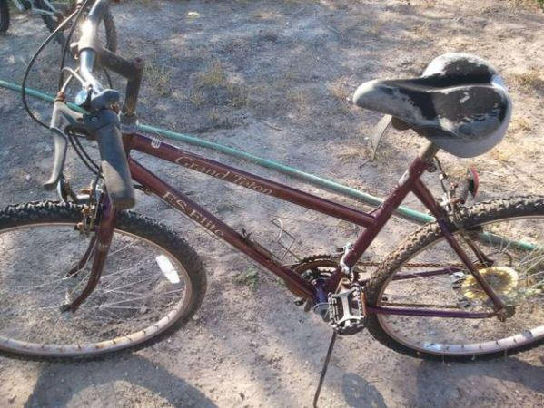 Grand Tetan F.S. Elite Mountain Bike Womans - $30 (Orange GroveAliceMathisCCCalallen)