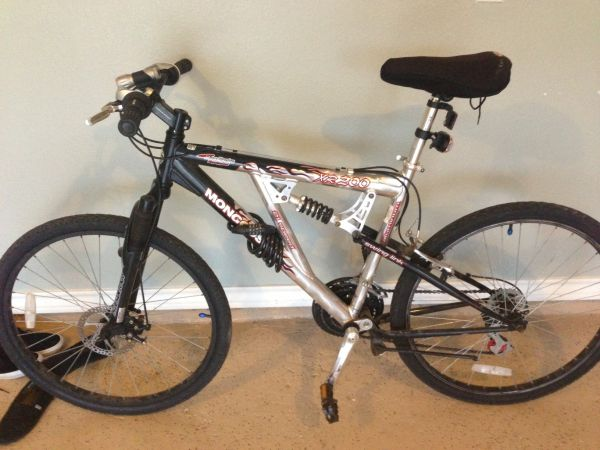 Nice Mongoose xr 200 26 mountain bike new tires clean and cheap OBO - $125 (South Side)