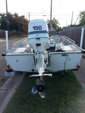 96 RED FIN BOAT 18 footer - $3800 (Airline Holly)