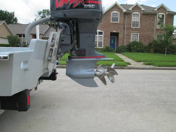 Yamaha TRP Lower Unit and Props  - $3000 (Clear Lake City, Texas)
