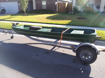 14 foot aluminum jon boat and trailer with a few extras - $600 (ss)