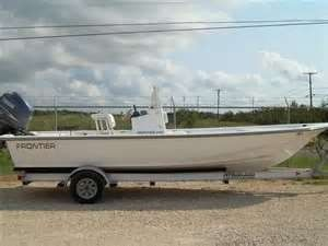 2007 frontier 210 bay boat - $23000 (South side)
