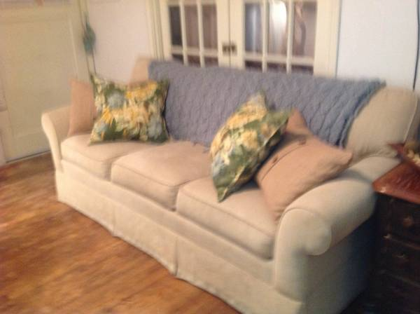 Ethan Allen Nice Couch - $175 (southside)