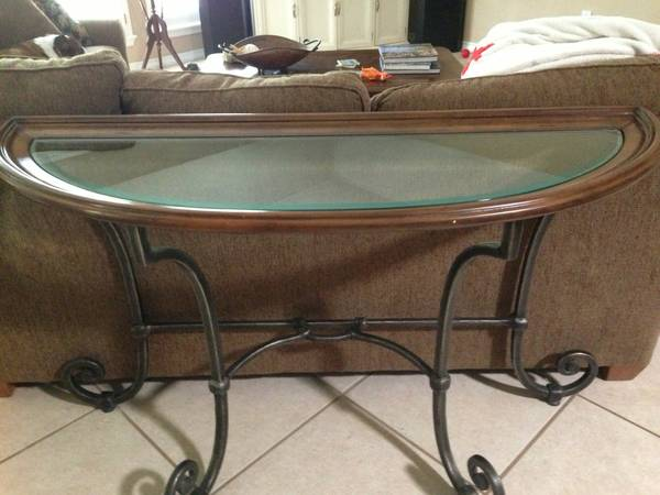ETHAN ALLEN Sofa or Entry Table - $140 (Rockport)
