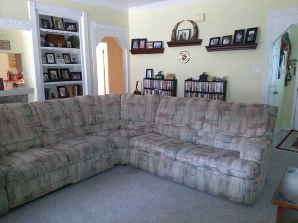 Great Sectional Couch with recliners and pull out full size bed - $100 (Flour Bluff)