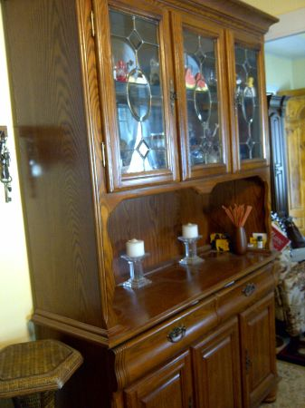 solid oak wooden china cabinet - $675 (1214 14th.st..)