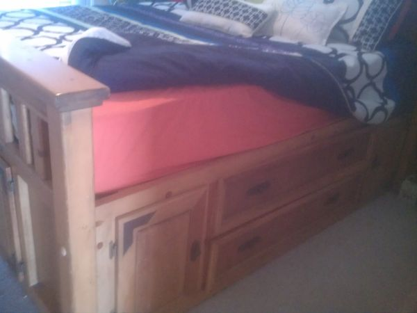 Queen size Captains bed w storage and dresser built in underneath - $900 (rockport)