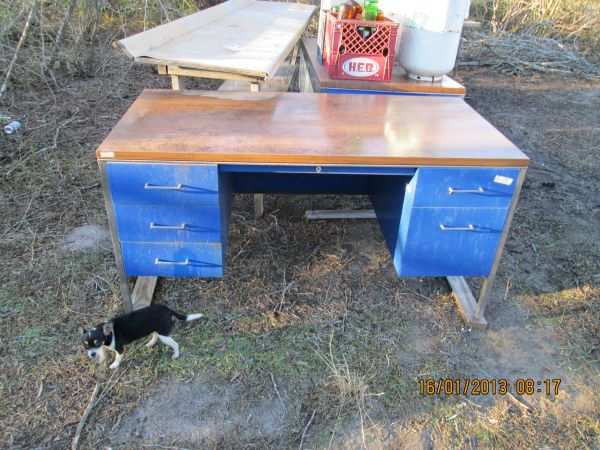 metal teacher desk - $100 (sinton)